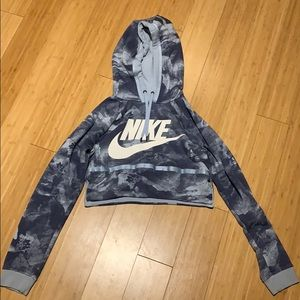 Nike cropped hoodie size small.